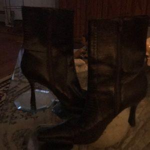 Beautiful dress boot not hurt at all